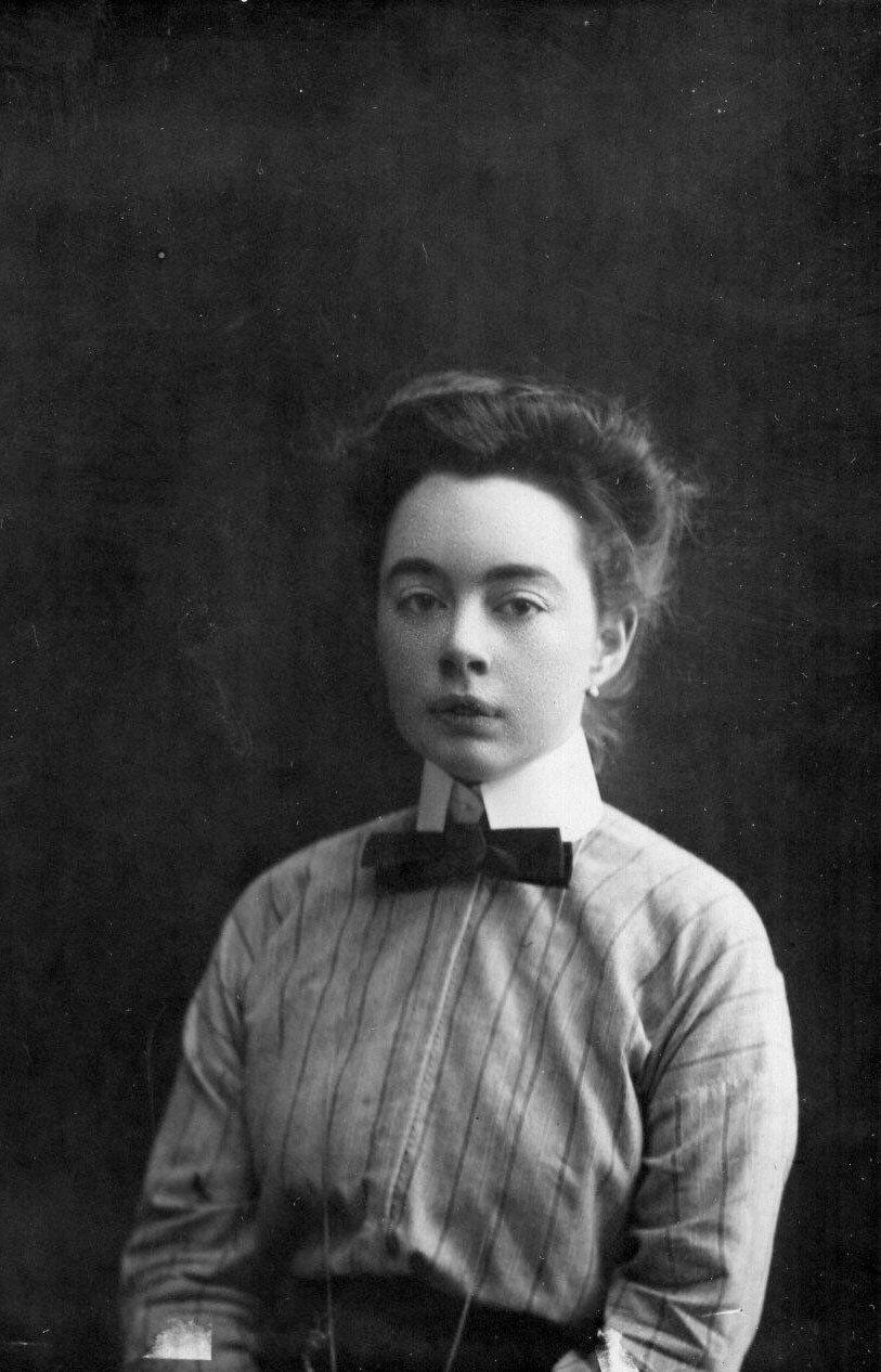Зайцева - студентка