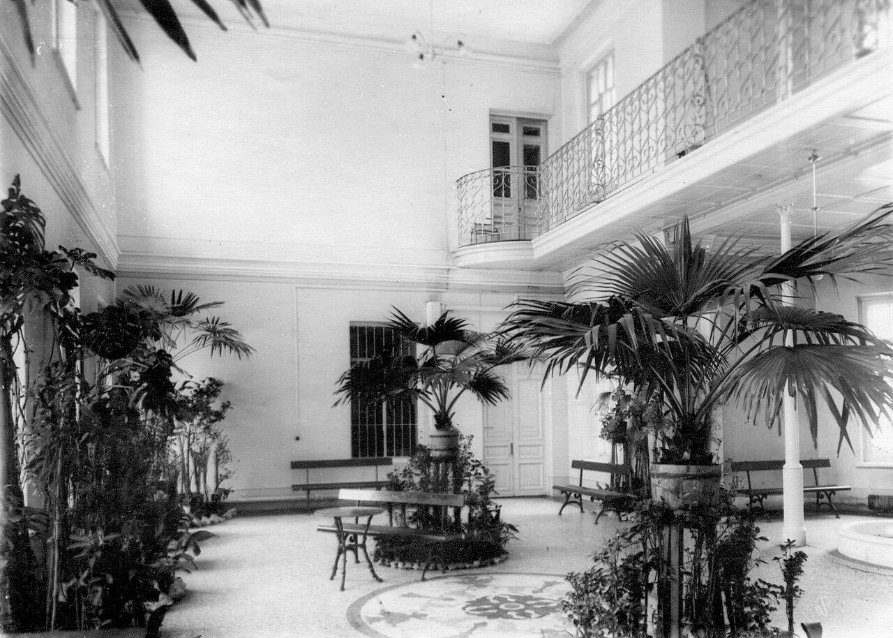 10. Вид помещения в академии