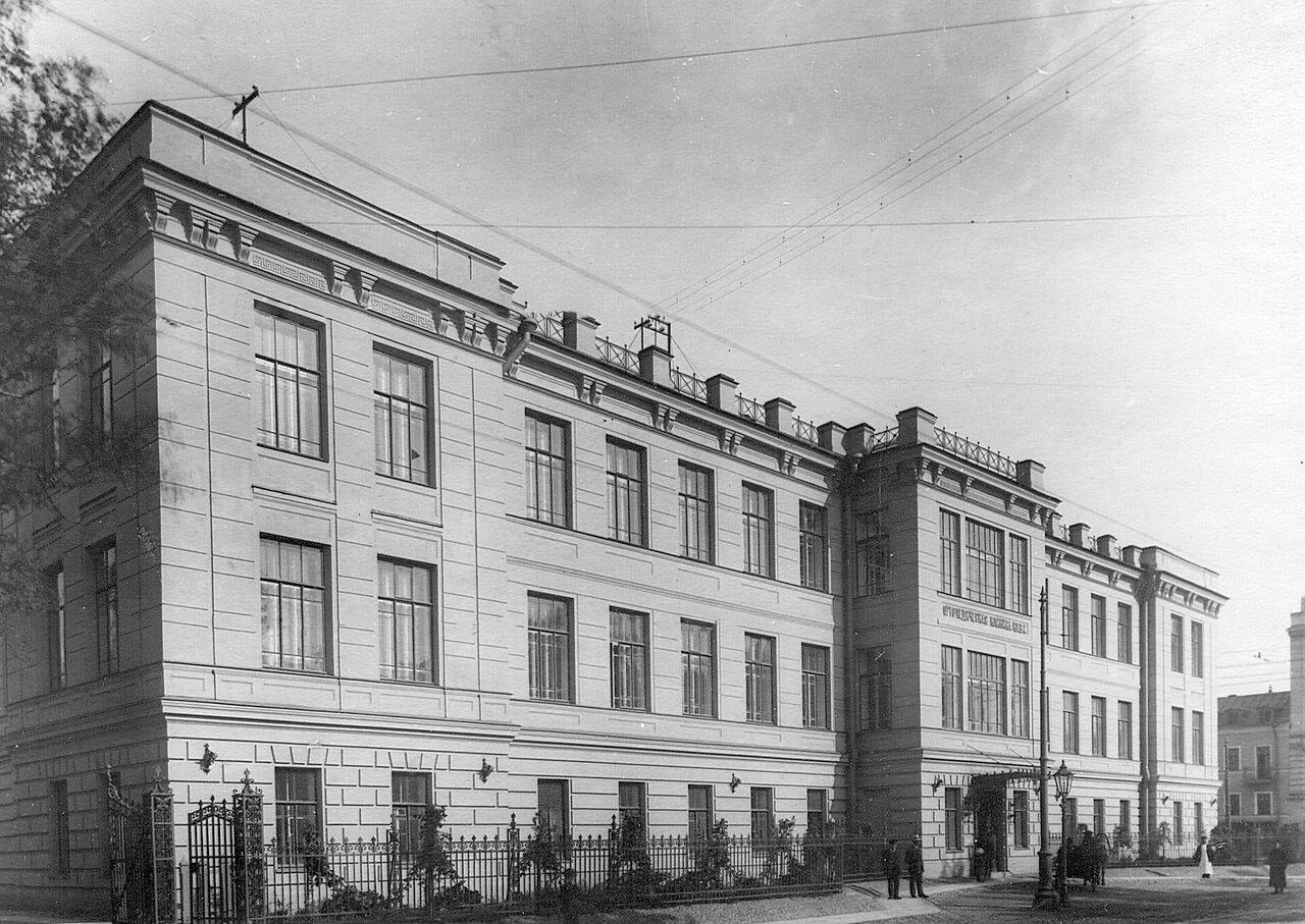 109. Фасад здания ортопедической клиники профессора Г.И.Турнера (открыта летом 1913 года, Боткинская улица,1)