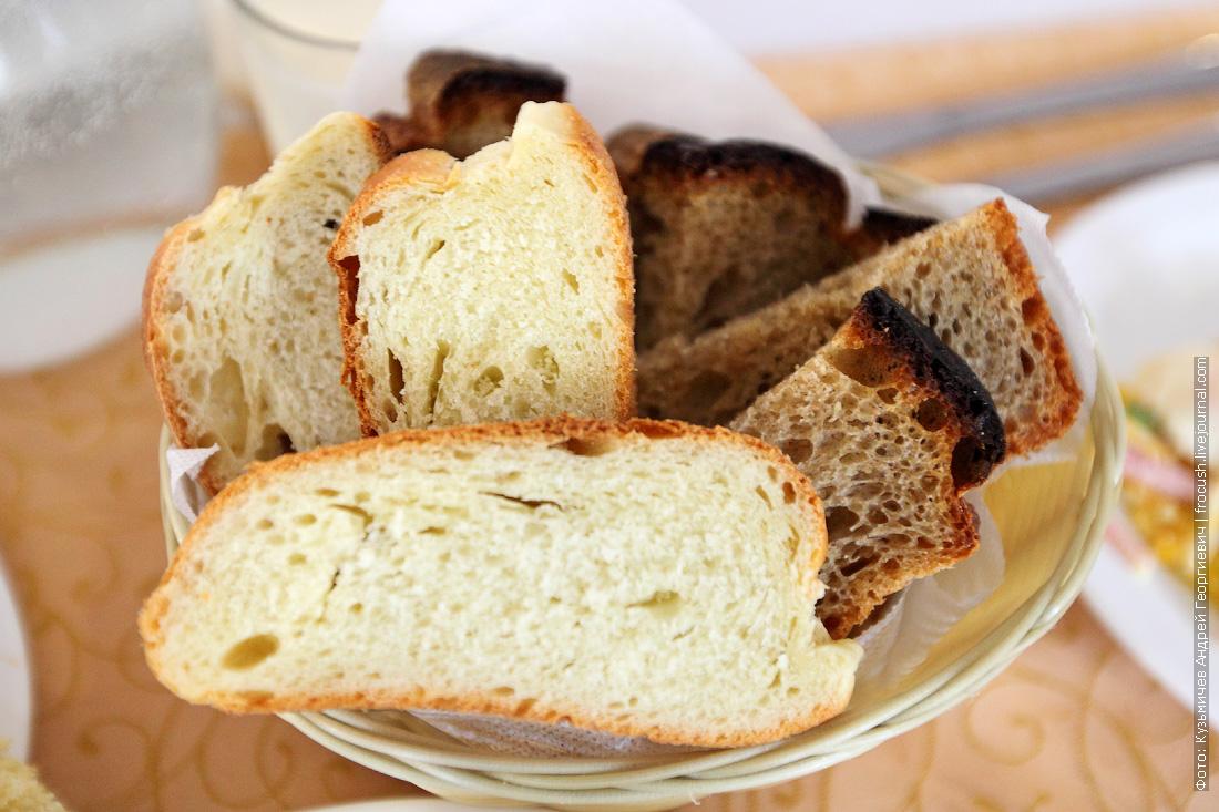 хлеб выпекают на теплоходе Русь Великая