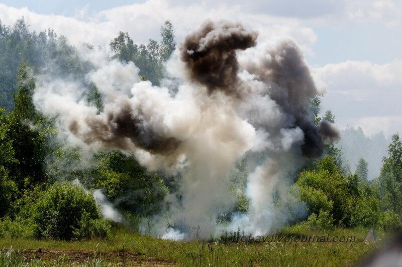 Взрыв авиабомбы на позициях РККА. 22 июня, реконструкция начала ВОВ в Кубинке (2 часть)