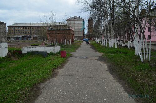 Фото города Инта №6859  Чайковского 4 (военкомат), Полярная 25 и 22 03.06.2014_17:01
