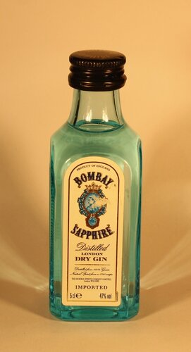 Джин Bombay Saphire Distilled London Dry Gin Imported