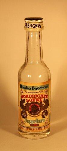 Водка Nordischer Loewe Doppelkorn Deutsches Erzeugnis