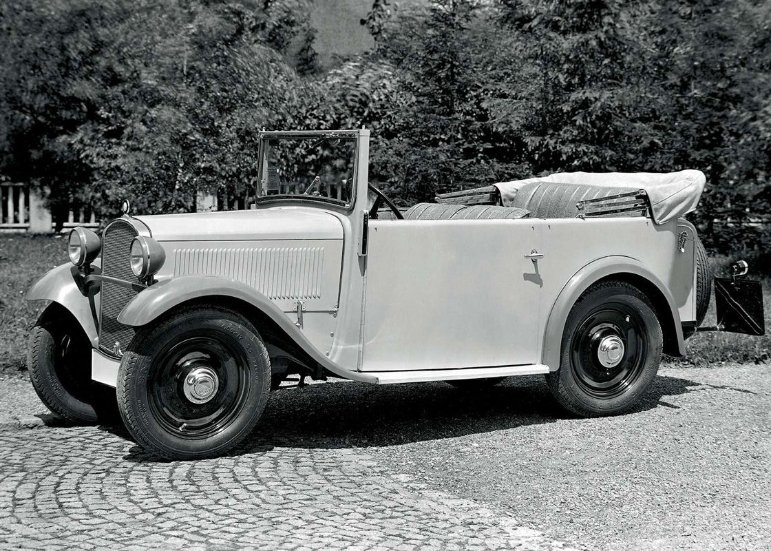 5 Bugatti Type 41 Royale (1932)
