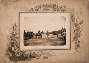 Император Николай II высшие офицерские чины на Царицыном лугу перед началом смотра кавалерийских частей..