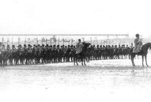 Личный состав полка на параде.
