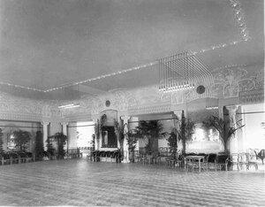 Буфет в театральном помещении торгового дома Братья Елисеевы.