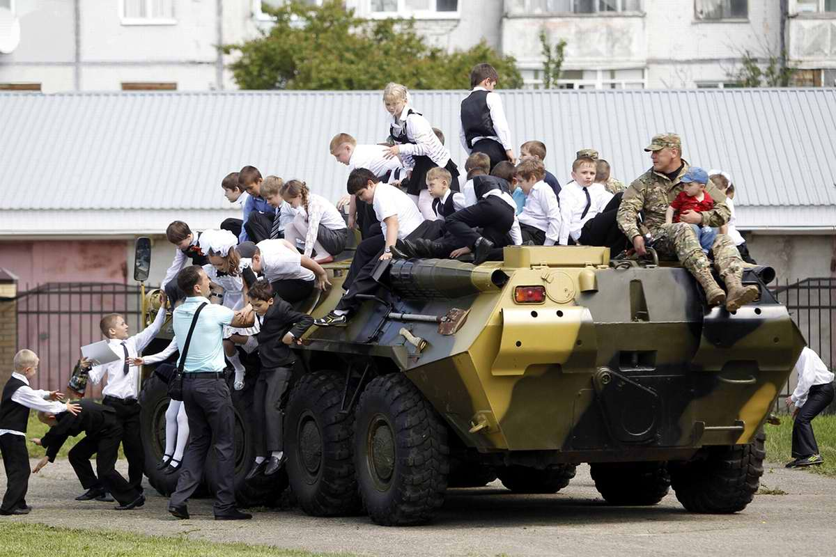 Последний звонок в Ставропольской кадетской школе