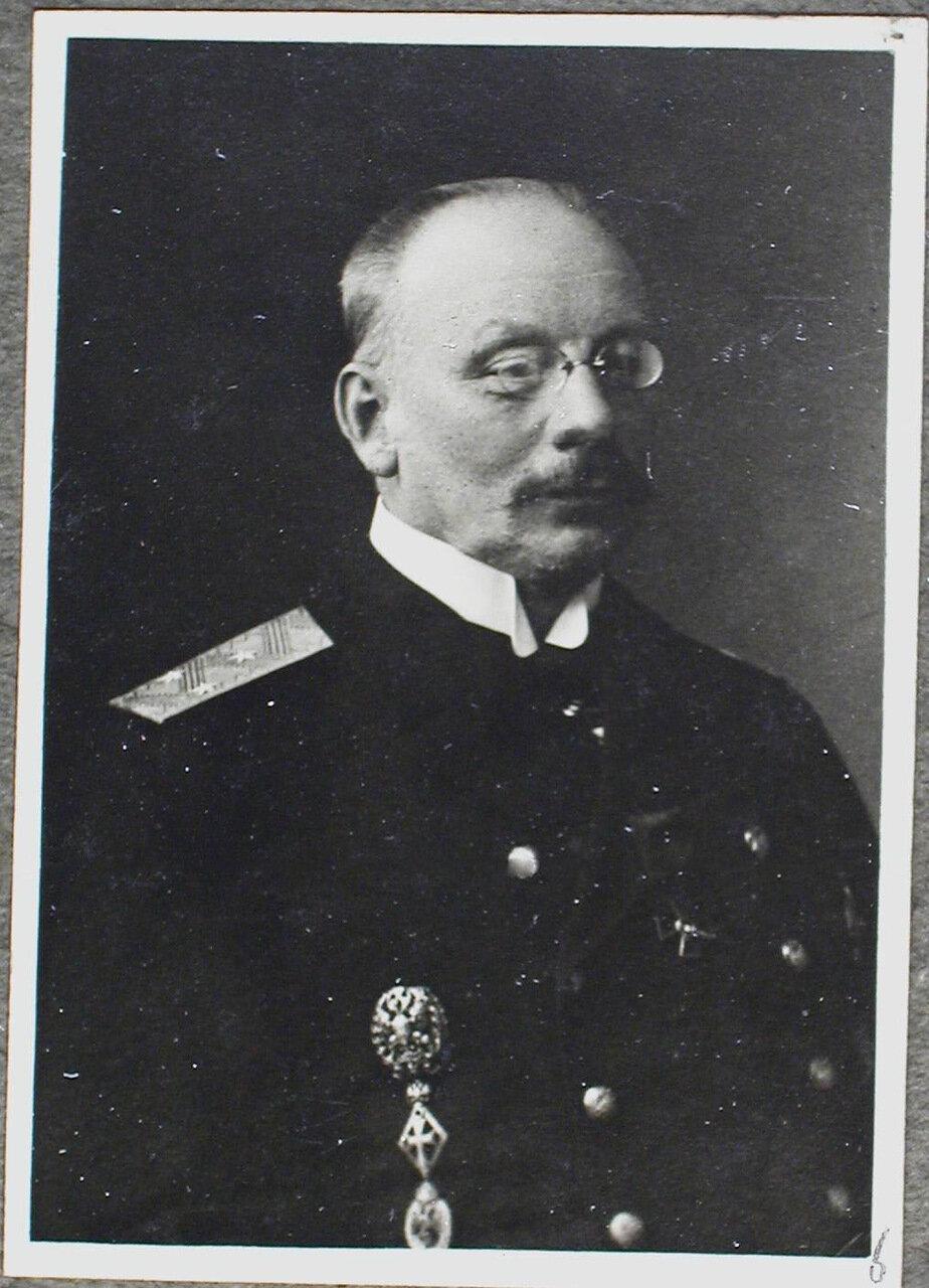 16.  а) Н. А. Трифонов