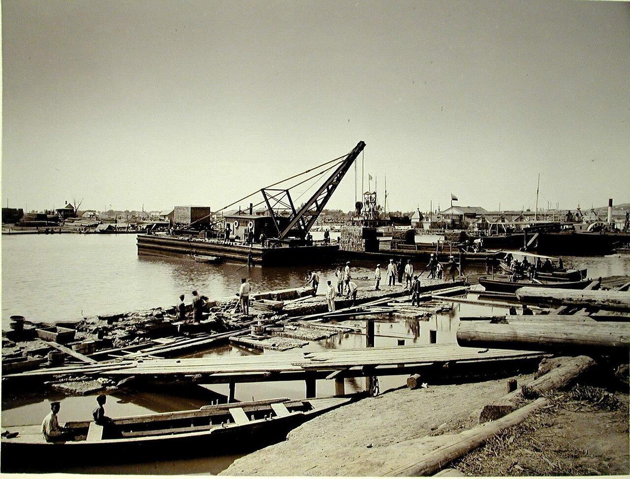 07. Рабочие на строительстве набережной