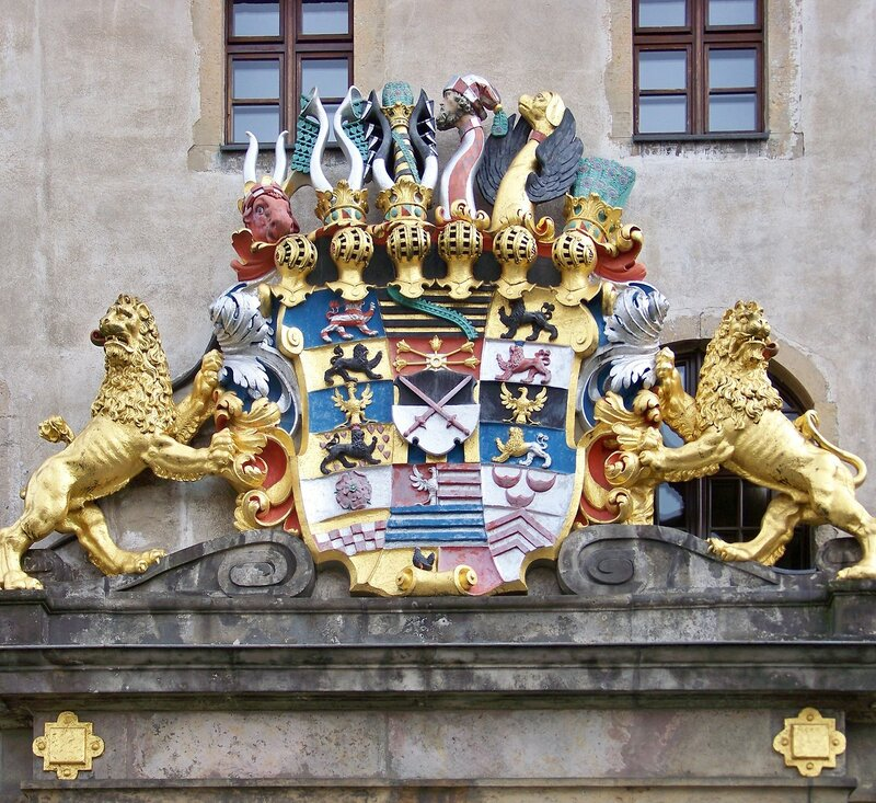 Torgau_Schloss_Hartenfels_Saechsisches_Wappen.jpg