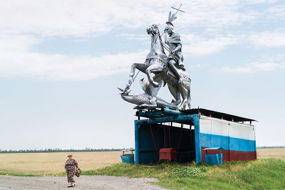 Суровое очарование советских автобусных остановок глазами канадского фотографа (24 фото)