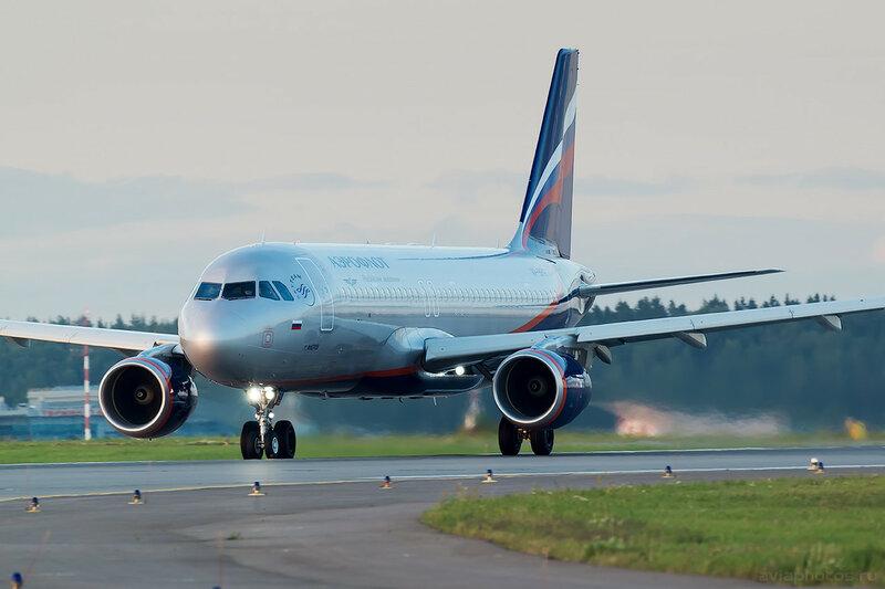 Airbus A320-214 (VP-BFG) Аэрофлот 0782_D803500a