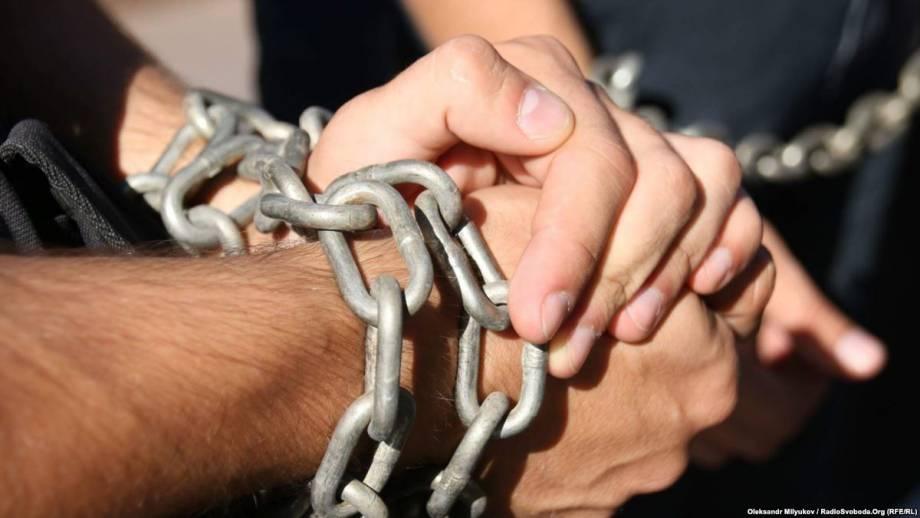 Украина в Минске предлагала России обмен заключенными. Грызлов ответил: это искусственные преграды