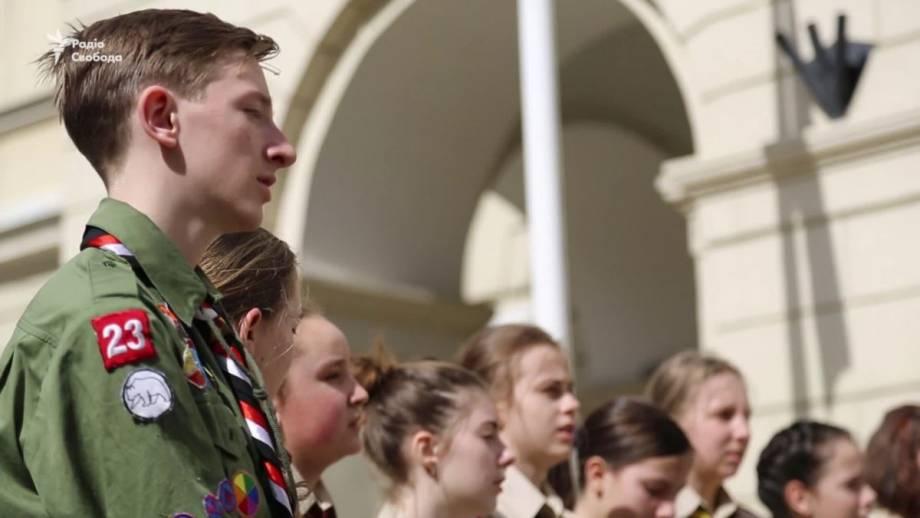 Хотя есть много украинской музыки, но Цветок таки непревзойденная – украинец о певице Квитке Цисык (видео)