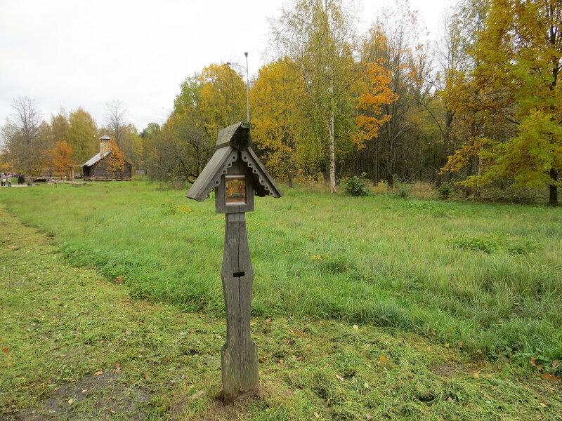 Икона вдоль дороги в Витославлицах