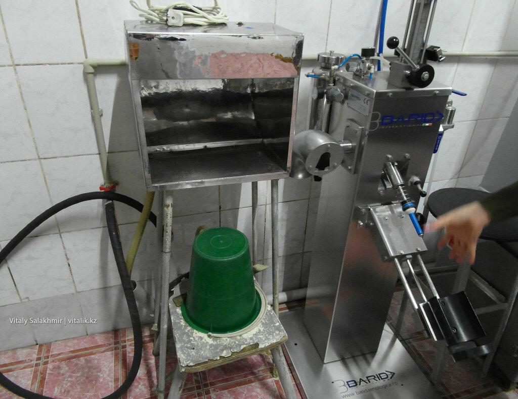 Инструменты производства шампанского на заводе Бахус, Алматы