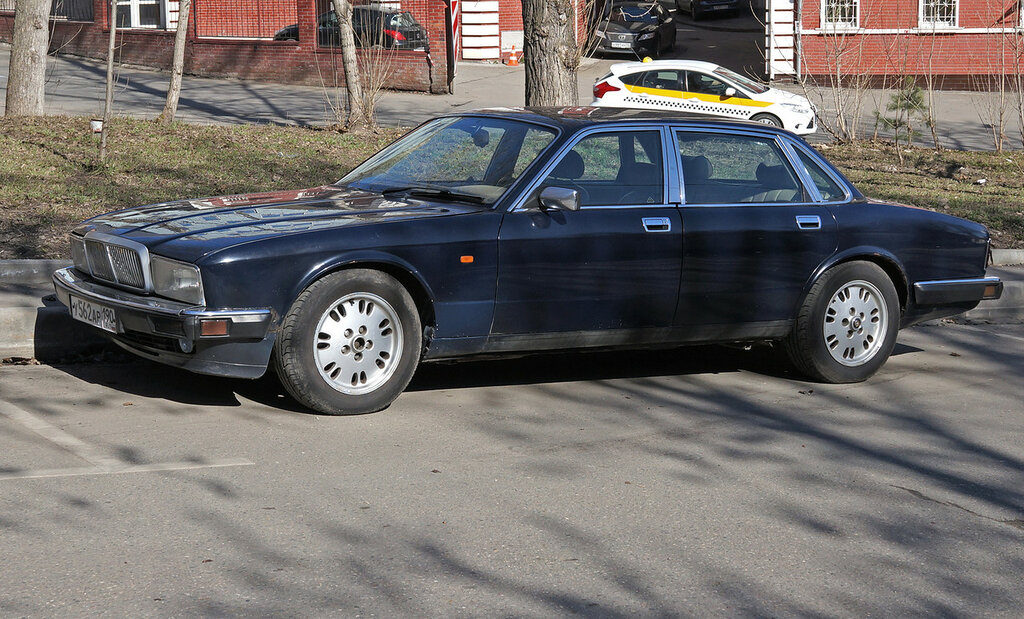 Jaguar-sovereign-DSC01663.JPG