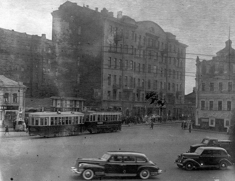 Возле Калужской площади