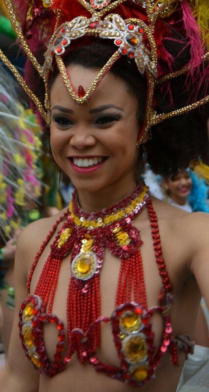 Незнакомка на карнавале