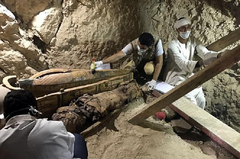 Пресс-секретарь министерства по делам древностей Невайн эль-Ареф сообщила: «Мы обнаружили следы новы