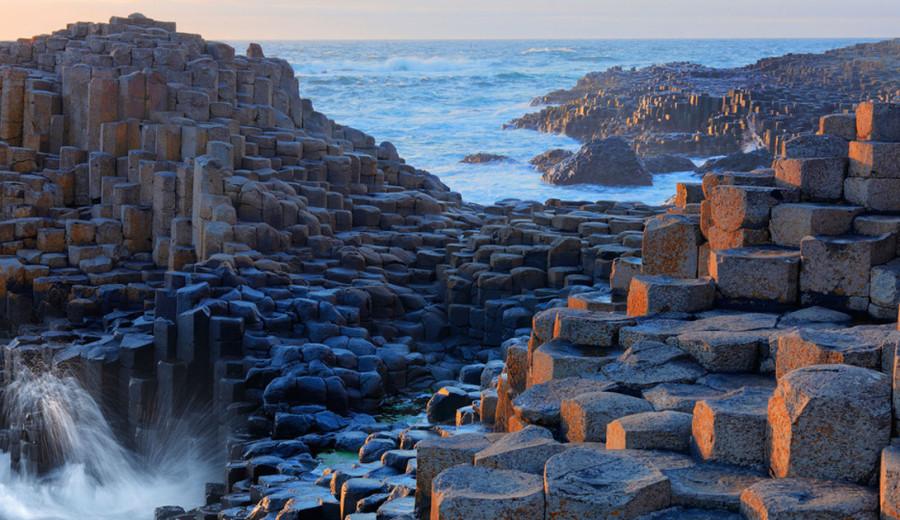 4. Дорога Гигантов, Северная Ирландия На этой территории встречается более 40 тысяч базальтовых коло