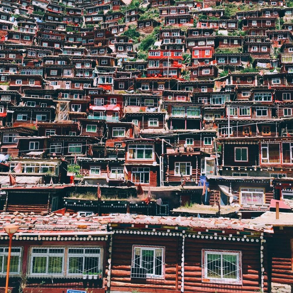 © behance.net  3-е место вноминации «Путешествие»: Shiyang Han, Пекин, Китай