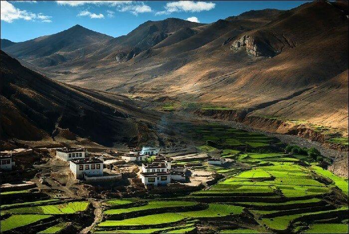 Деревня в Гималаях, Тибет