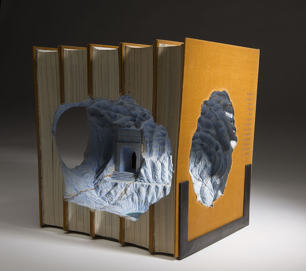 Magnificent New Carved Book Landscapes and Architecture by Guy Laramee (15 pics)