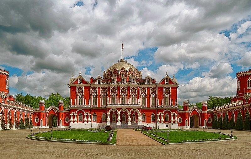 Петровский путевой дворец. 18 век.