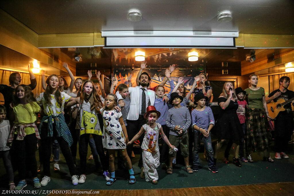 Как нас гуляли на теплоходе «Дмитрий Фурманов» вечер, отдыха, теплоходе, очень, галаконцерт, можно, здорово, нашего, путешествия, Минувшим, читала, стихи, собственного, сочинения, тронули, слова, глубины, молодёжь, зажигала, девушка