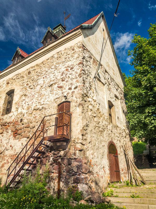 Усадьба бюргера. Дом горожанина — один из редких примеров древнейшей городской застройки.