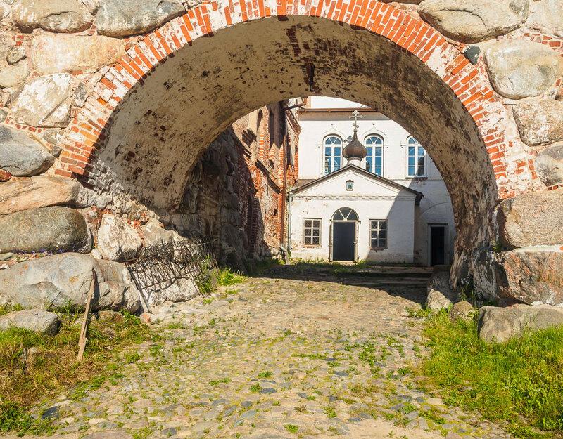 Вход в Германовский дворик.