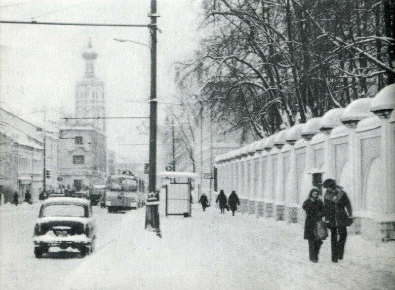 Петровка в снегу