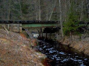 У старого моста