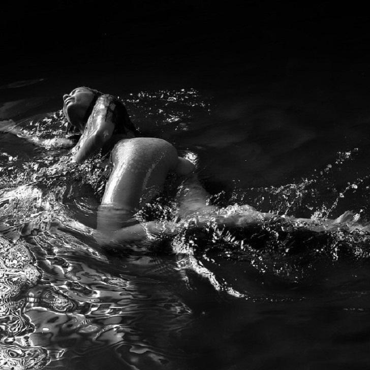 Две самые прекрасные вещи на свете — девушки и вода