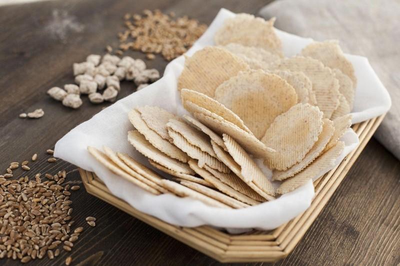 7. Ищите альтернативу белому хлебу В фарш для котлет традиционно добавляют белый хлеб. Однако есть м