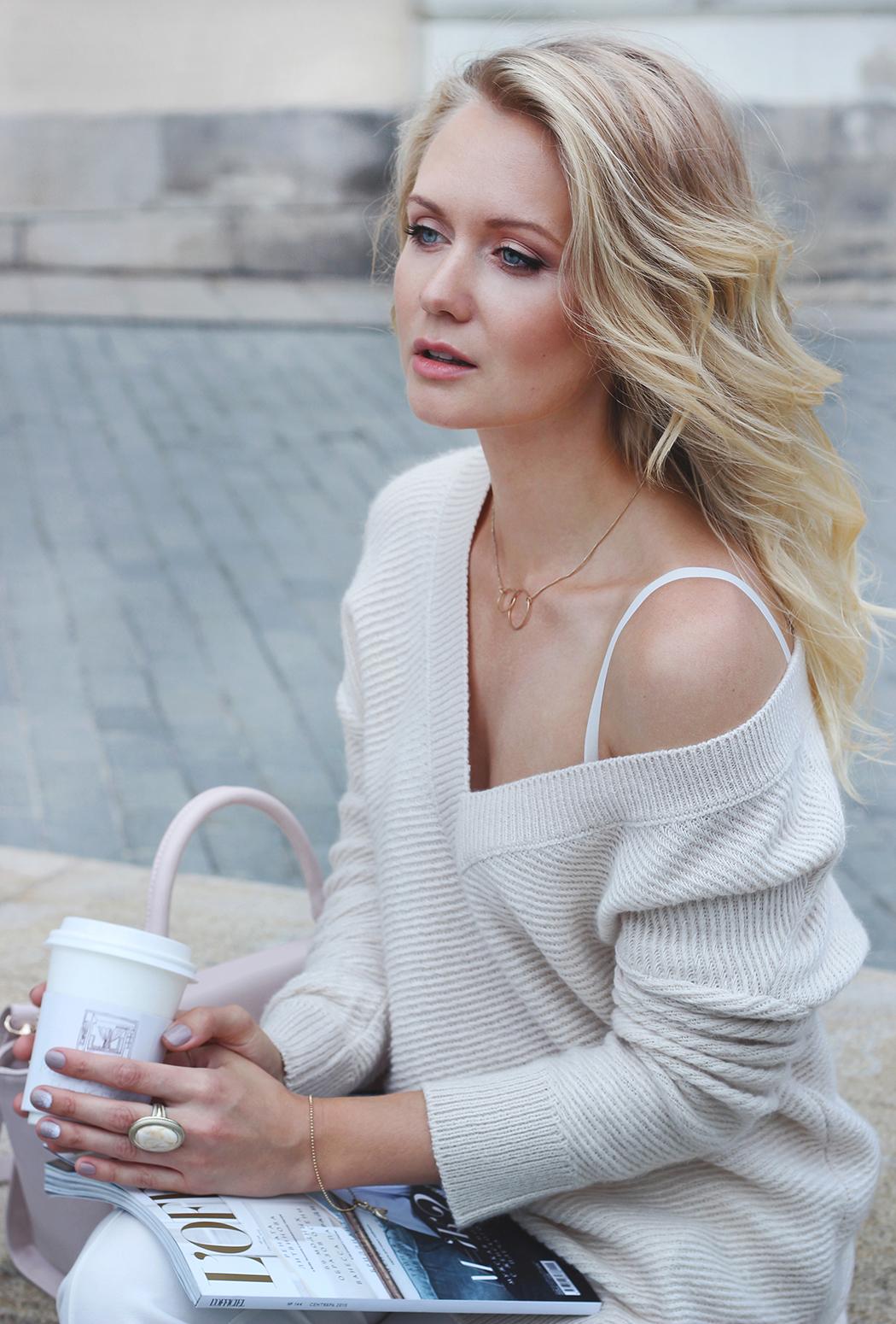 inspiration, streetstyle, autumn outfit, moscow fashion week, annamidday, top fashion blogger, top russian fashion blogger, фэшн блогер, русский блогер, известный блогер, топовый блогер, russian bloger, top russian blogger, streetfashion, russian fashion blogger, blogger, fashion, style, fashionista, модный блогер, российский блогер, ТОП блогер, ootd, lookoftheday, look, популярный блогер, российский модный блогер, russian girl, с чем носить белые брюки, как одеться весной, модные аксессуары, ASOS, QUELLE, пастельная одежда, с чем носить пастельную одежду, как сочетать пастельные цвета, pastel colors, pastel colors combination, цветовые сочетания, с чем носить белый свитер, как определить свой цветотип, streetstyle, красивая девушка, девушка и закат, flowers and girl, pastel pants, pastel sweater, pastel bag, Алена Ершова, Анна миддэй, анна мидэй, kinfolk