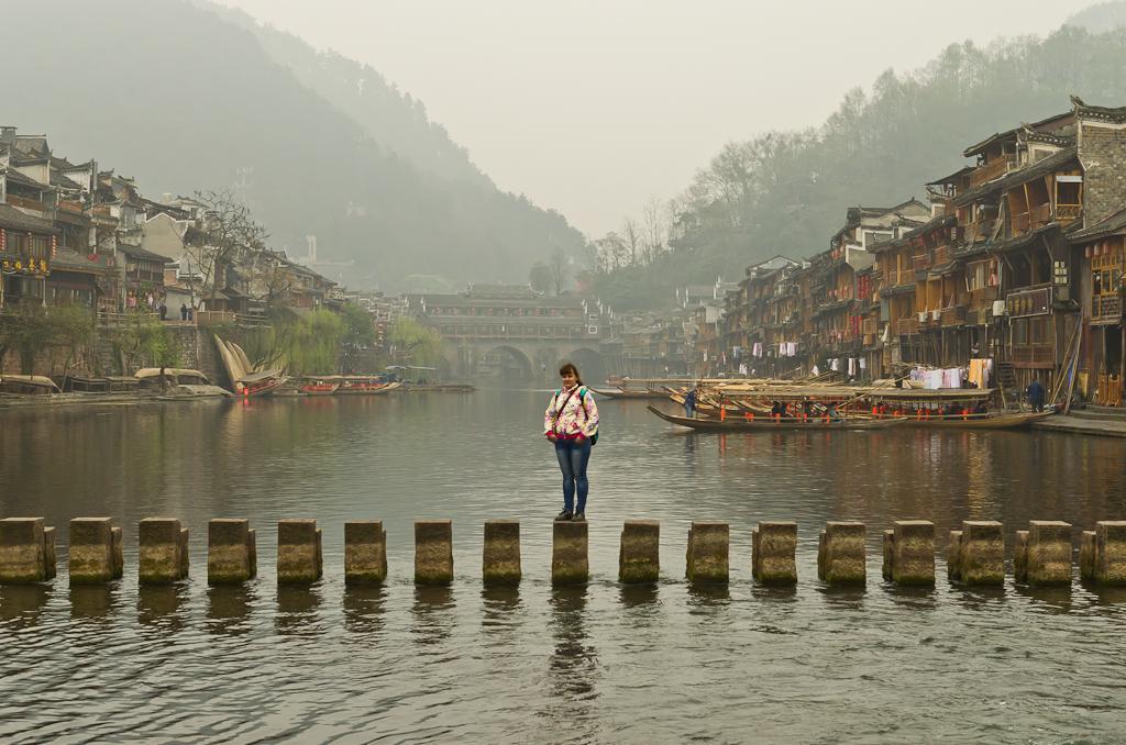 8. Жертвы ради искусства. На реке Тоцзян в Фенхуане. Поездка в Китай.