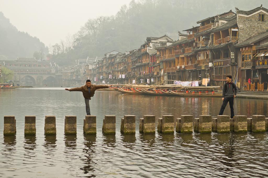 10. Сними меня, будто я - ласточка... Фотосессия на реке Тоцзян в Фенхуане. Рассказы о поездке в Китай самостоятельно.
