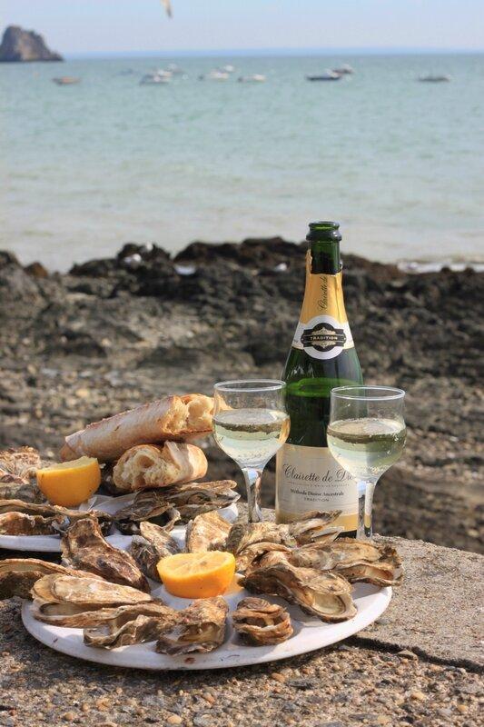 Устрицы - Канкаль, Франция (Oysters - Cancale, France)