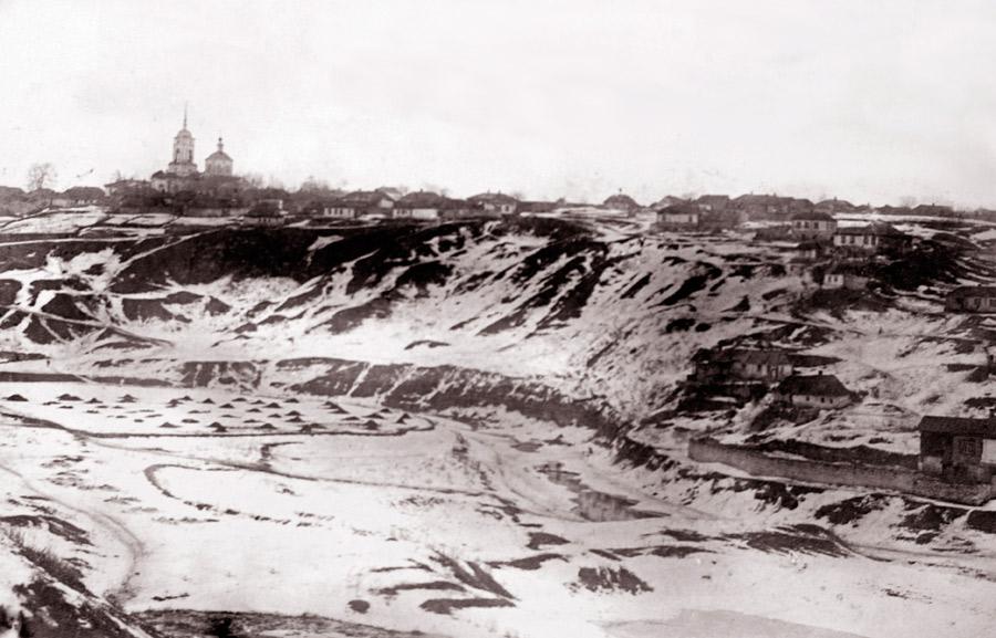 Вид на Предтеченскую церковь и Ламскую слободу