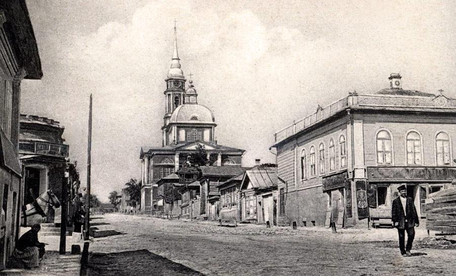 Вид на Сретенский храм с Мясницкой улицы