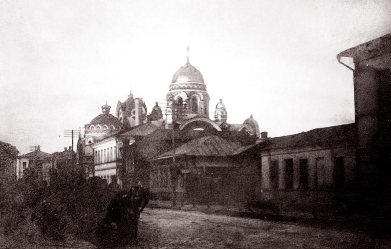 Вид на Александро-Михайловскую церковь с Успенской улицы