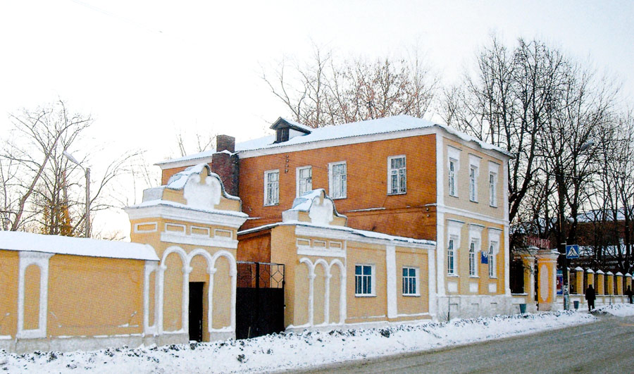 Бывший Калабинский приют в Ельце