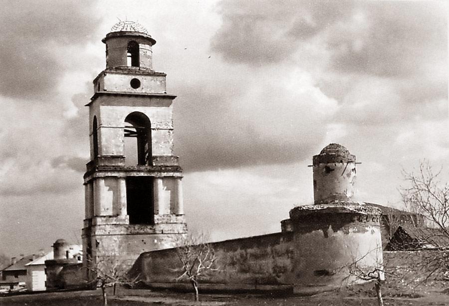 Троицкий монастырь Ельца в 1960-е годы