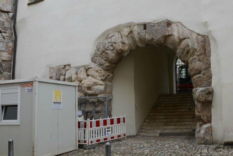 ворота легиона2.jpg
