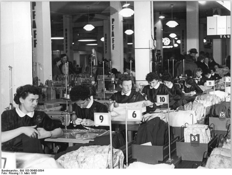 Leipziger Frьhjahrsmesse, Damenbekleidung