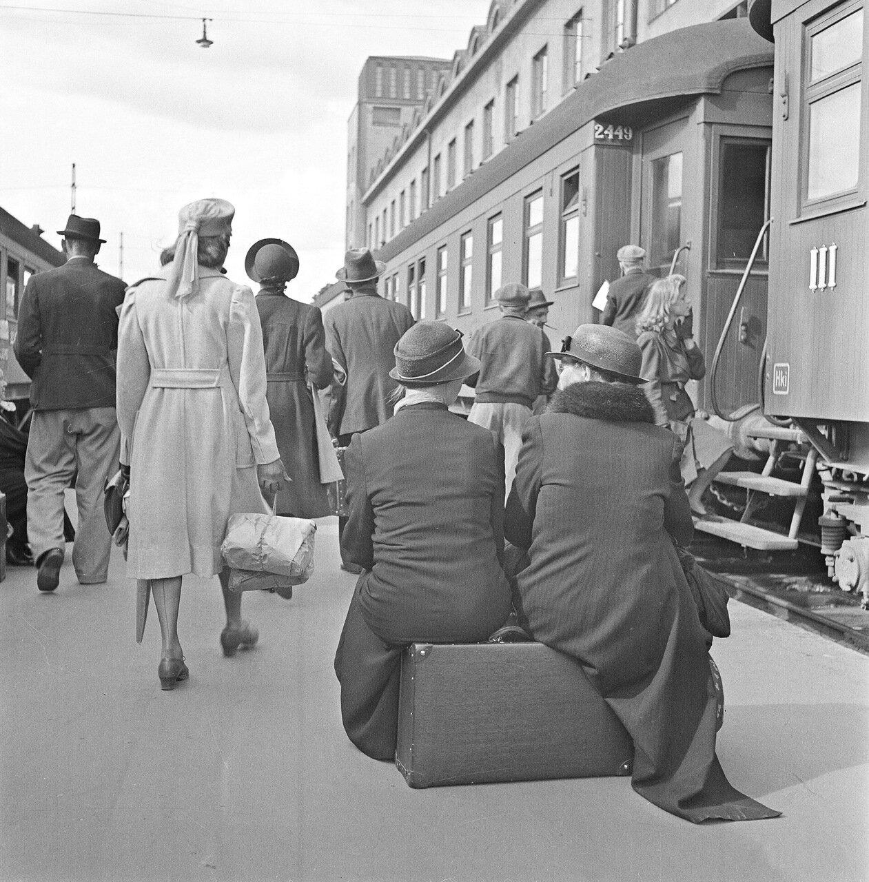 1941. 20 июня. Центральный вокзал. На станции